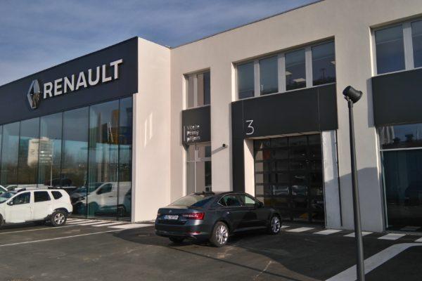 presklená fasáda Renault Dacia Praha