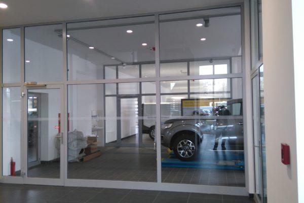 presklené interiéry Renault Dacia Praha