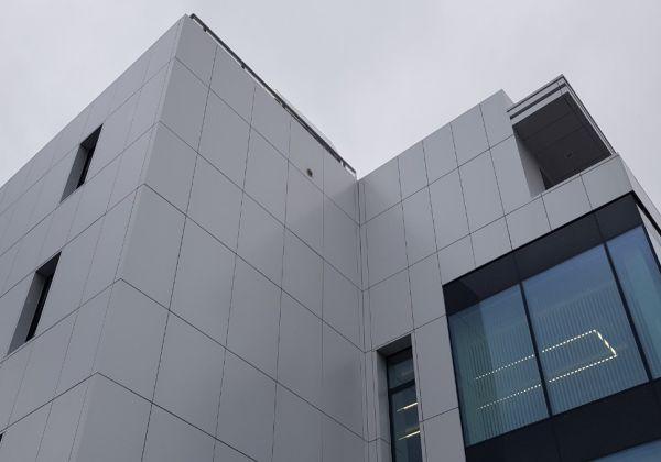 odvetrané kazetové fasády